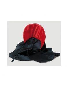 Capa Negra con cuello rojo